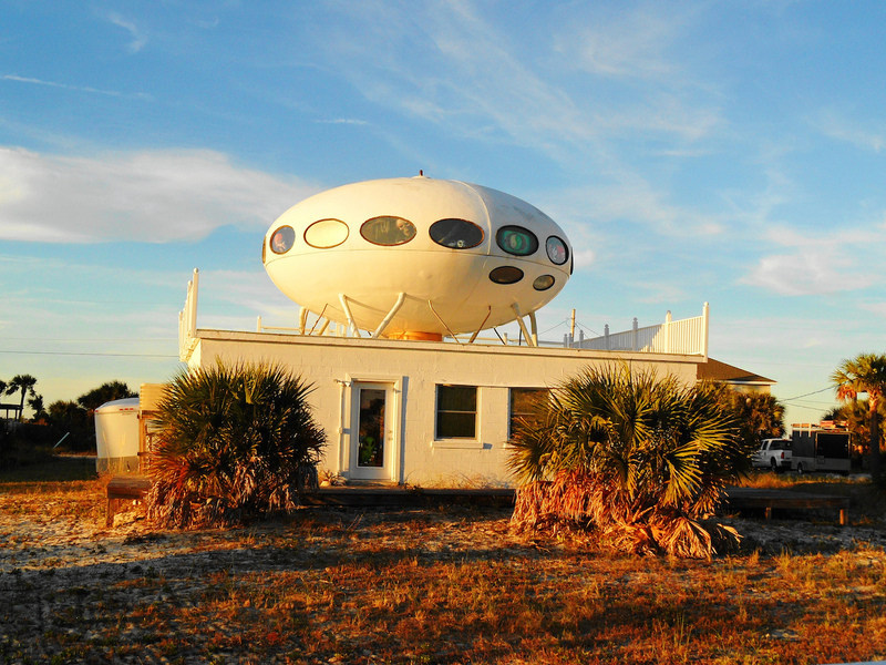 The Futuro House in Pensacola Beach, Florida, which survived Hurricane Ivan (photograph by Ken Ratcliff)