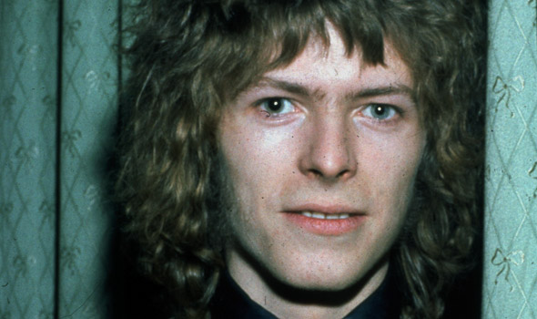 badsongs-david-bowie-590x350