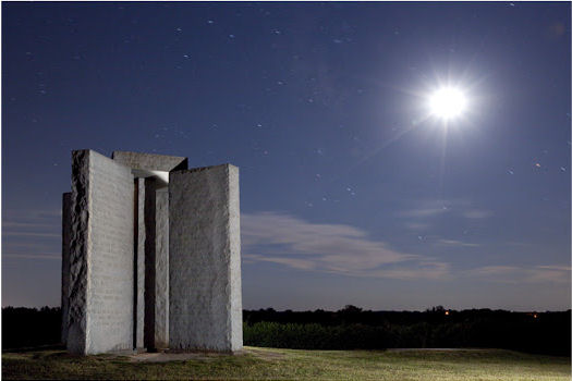 georgia_guidestones_night