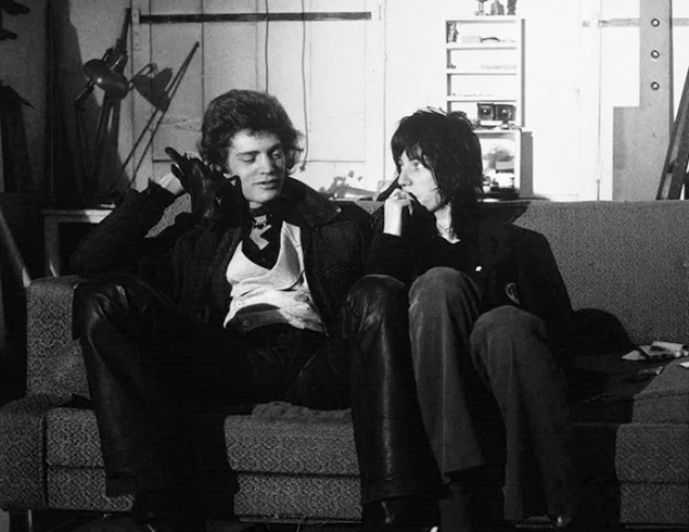 robert mapplethorpe and patti smith in their chelsea hotel apartment, circa 1970, photo©Albert Scopin.